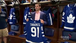 John Tavares signs 7-year contract with Maple Leafs, $77 million deal